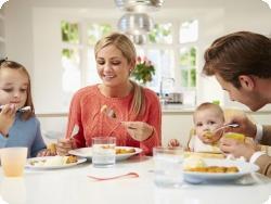 Почему во время еды нужно молчать?